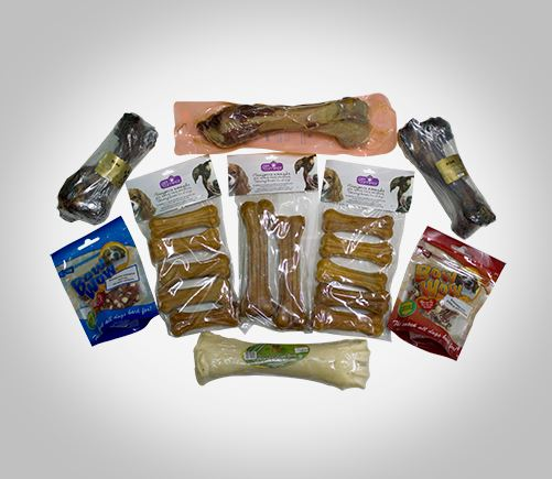 Smoked chewing bones and treats for dogs.